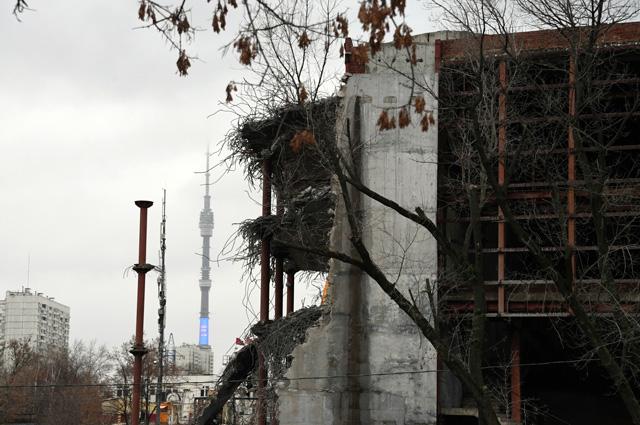 Реконструируемое здание Театра «Сатирикон» имени Аркадия Райкина на Шереметьевской улице. Ноябрь 2017 г.