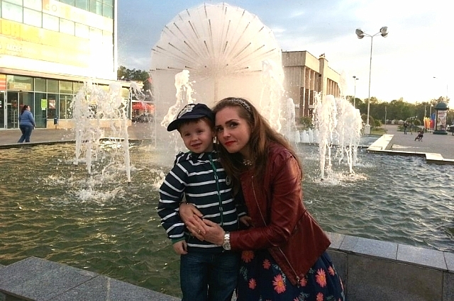 Екатерина Синцова с сыном.