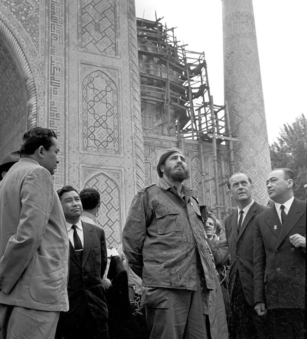 В рамках визита Фидель Кастро посетил Узбекскую ССР и ознакомился с достопримечательностями Самарканда.