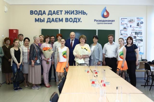 Преподаватели и студенты ОмГАУ.