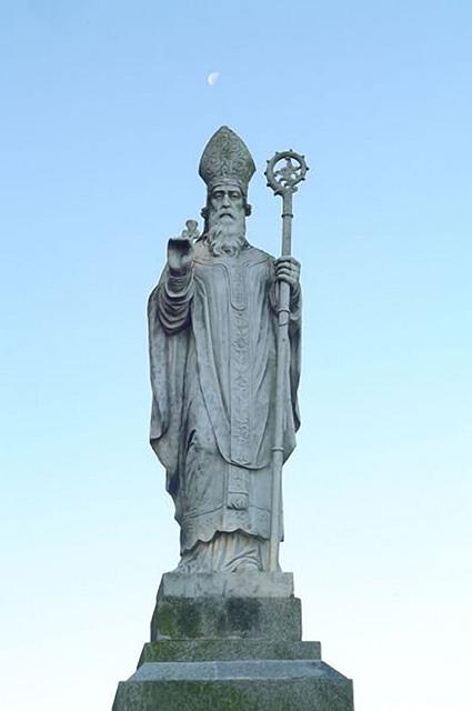 Это памятник св. Патрику в Ирландии, графство Мит. По легенде именно там, на холме Тара, св. Патрик начал проповедовать христианство.