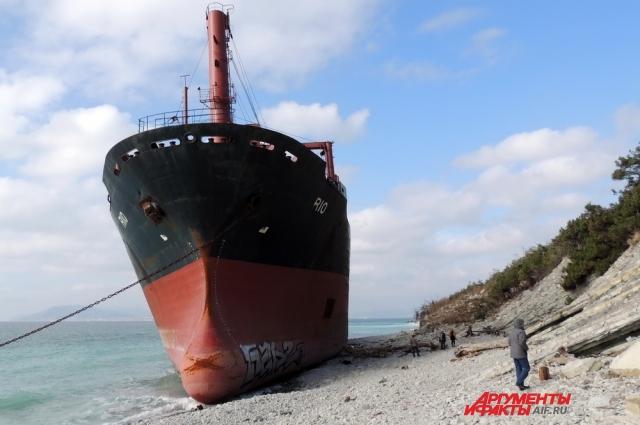 Размеры судна впечатляют.