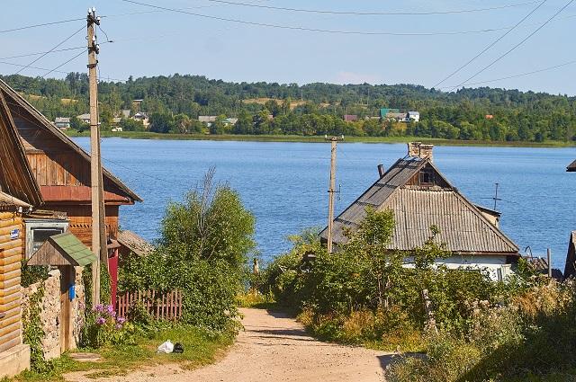 ервые кинематографисты Российской империи планировали устроить в Себеже наш «Голливуд» – уж больно хороши озера, холмы, леса и старинные особняки.