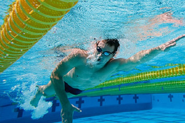 Плавание - оно из самых полезных занятий для людей.