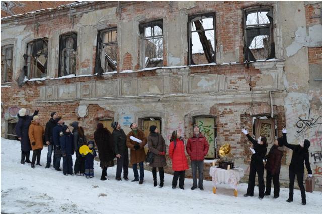 Ряды неравнодушных граждан в Брянске немногочисленны.