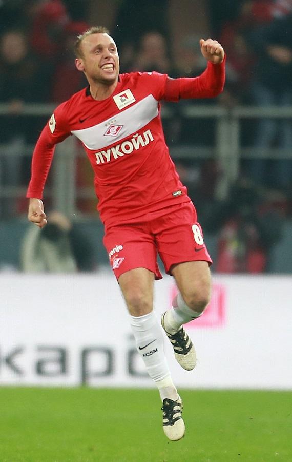 Денис Глушаков «допрыгался» до звания «Футболист № 1».