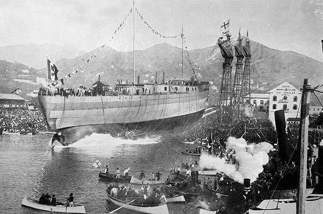 Спуск на воду линко «Giulio Cesare».