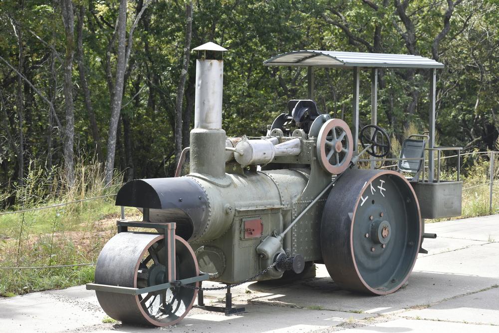 Колёсный паровоз для подвоза снарядов.