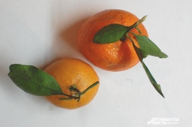 В детский подарок обязательно кладут мандарин.