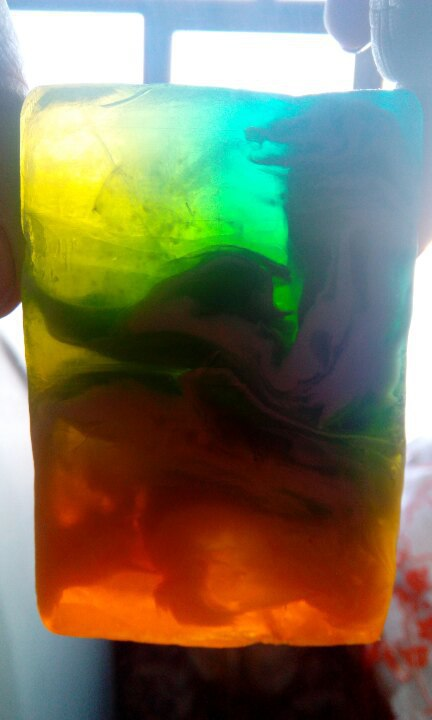 Мыло разноцветное