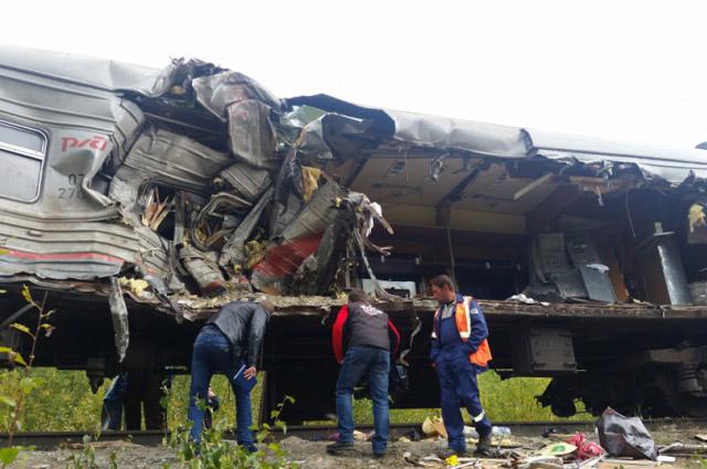 столкновение поезда и грузовика