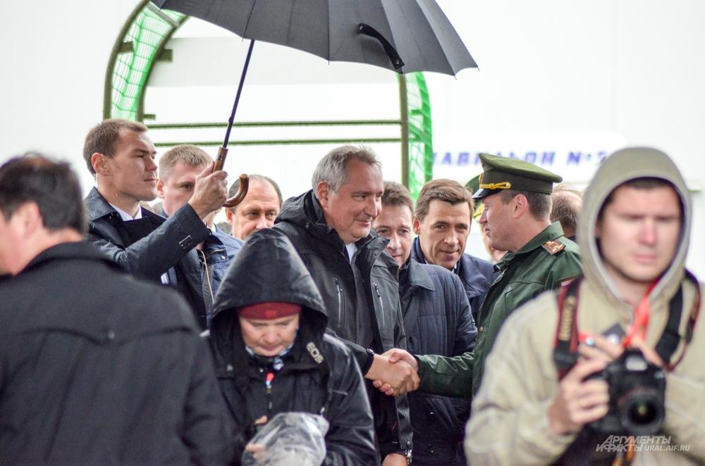 Вице-премьер РФ Дмитрий Рогозин пообещал тагильчанам альтернативу Russia Arms Expo.