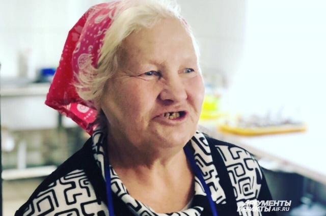 Баба Рая не употребляет алкоголь, и ей было сложно в приютах.