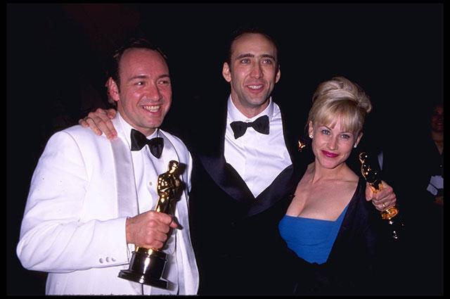 Кевин Спейси, Николас Кейдж и Патрисия Аркетт после церемонии вручения премий Оскар в 1996 г.