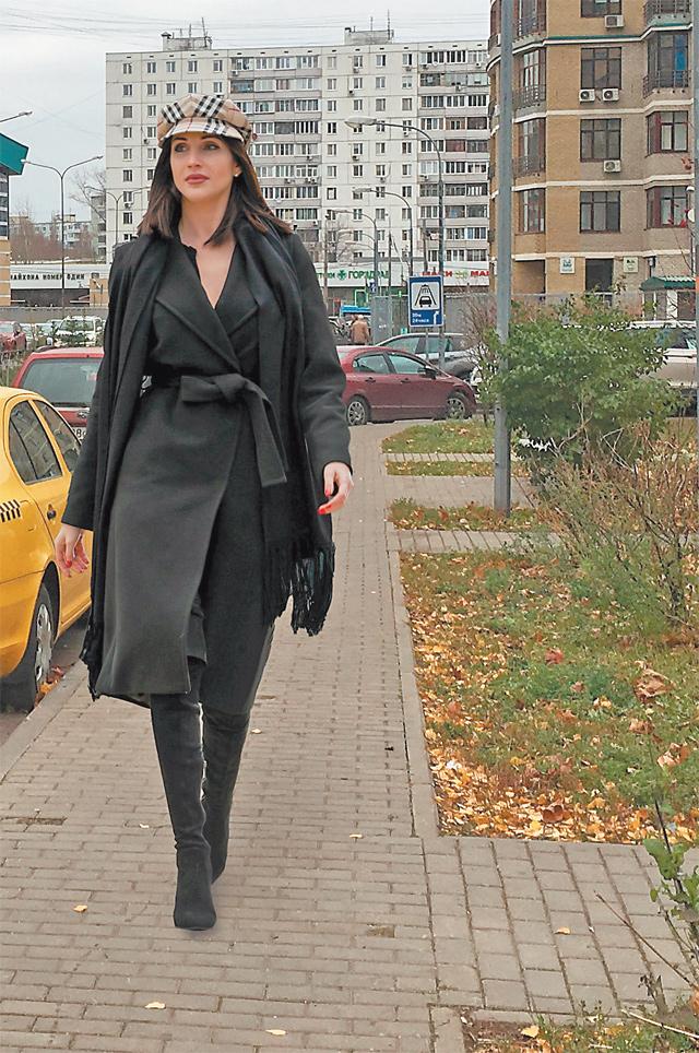 Елена Успенская в любимом районе.