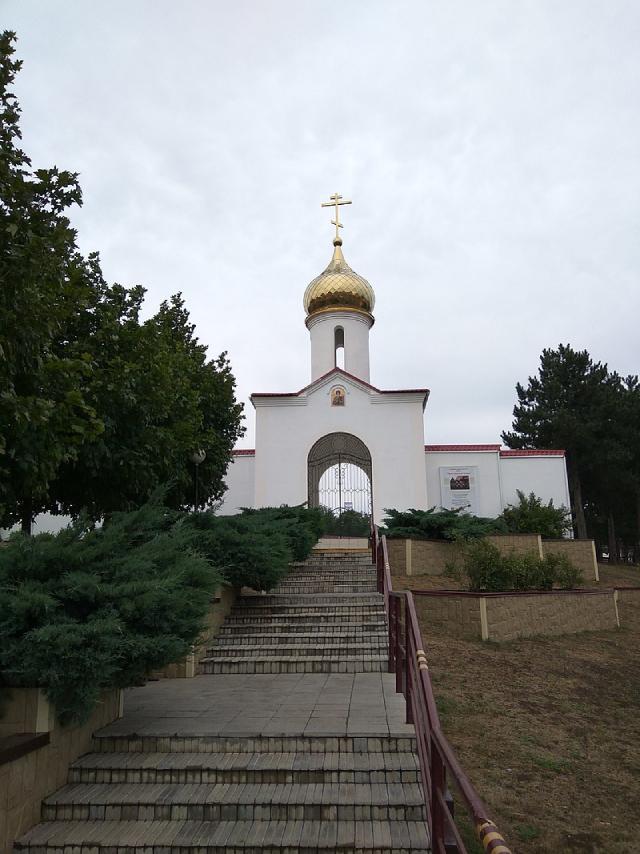 Храм-памятник казакам 4 гвардейского казачьего корпуса в Кущевке.