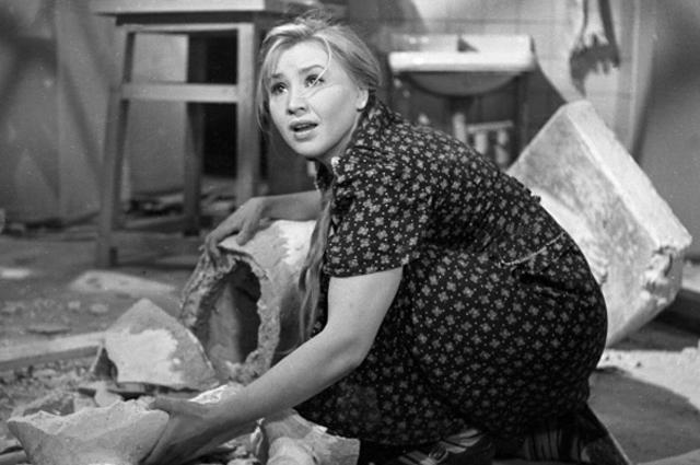 Кадр из фильма «Приходите завтра» (1963 г.) Лиза считает, что ее история похожа на судьбу главной героини фильма Фроси Бурлаковой.