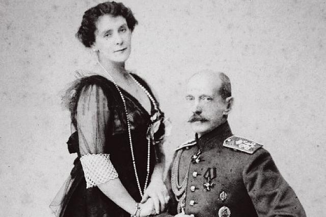 Павел Александрович вместе со своей второй супругой.