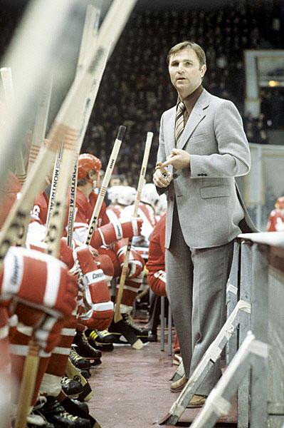 Старший тренер сборной команды СССР по хоккею Виктор Тихонов на 46-м чемпионате мира по хоккею. 1979 год