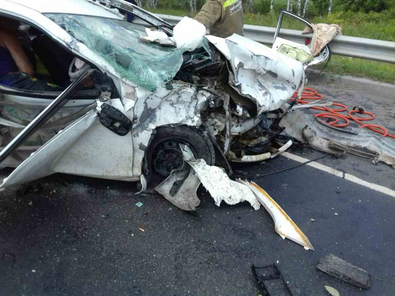 Столкновение не оставило пассажирам и водителю шансов.