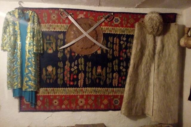 Есть экспонаты кобанской культуры – украшения, посуда.