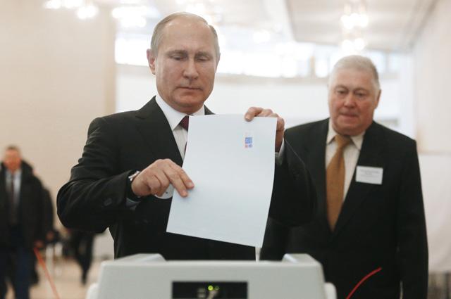 Если на своих первых выборах в 2000 г. Владимир Путин получил 52,9%, то спустя 18 лет - уже 76,69%.