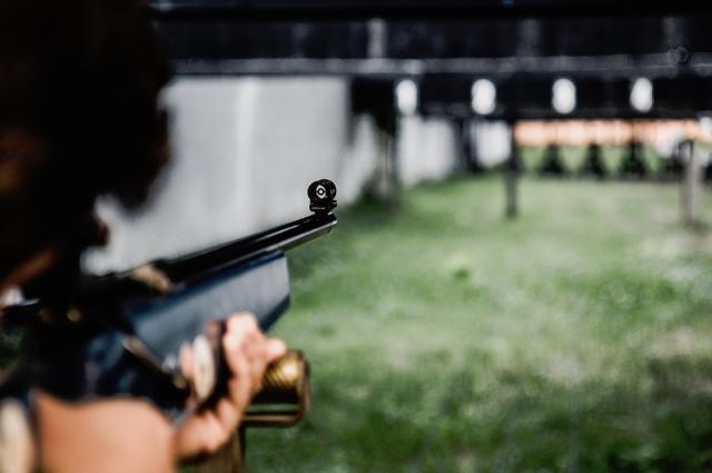 Чтобы выступать на высоком уровне, необходима врожденная выносливость группы мышц, участвующих в удержании оружия.