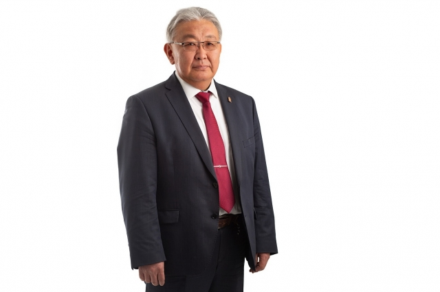 Врач Валерий Амагыров.