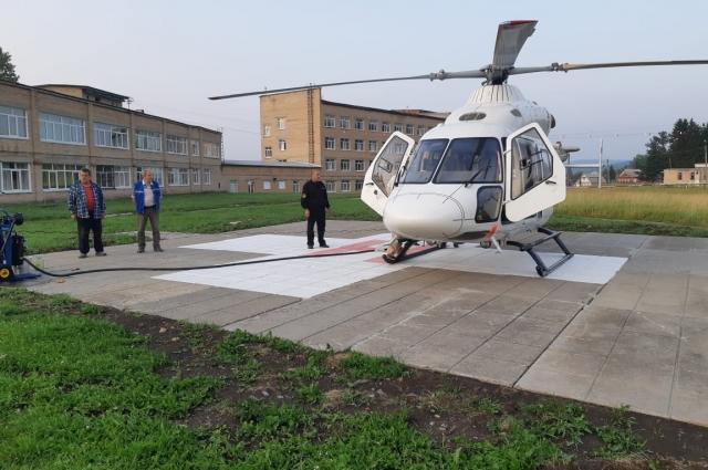 Кроме новых площадок для посадки вертолетов на территории больниц, санавиация использует площадки погранвойск и другие служебные площадки.