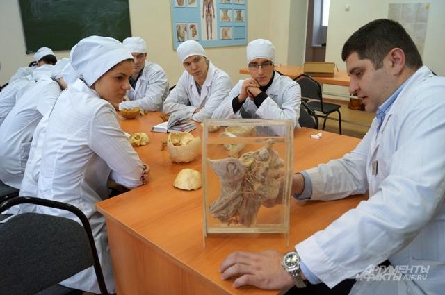 Урок анатомии у студентов Самарского медицинского университета