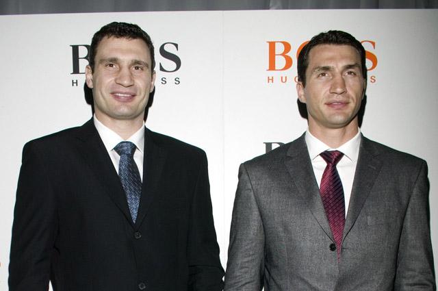 Виталий и Владимир Кличко (справа).