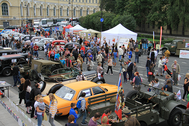 Масштабный праздник состоялся в Биржевом проезде.