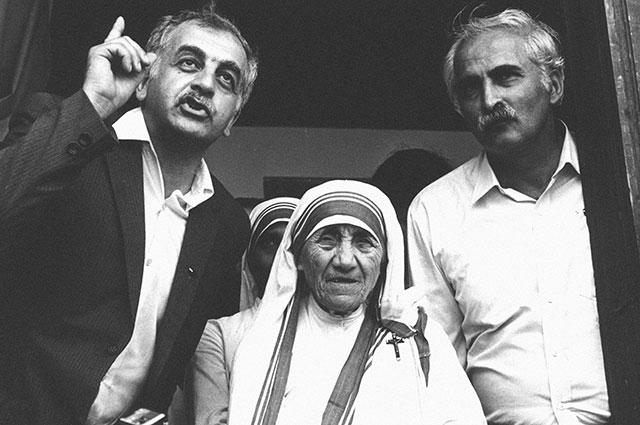 Звиад Гамсахурдиа, Мать Тереза и грузинский диссидент, музыкант и поэт Мераб Костава. 1989 г.