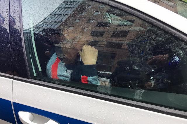 Водителя самосвала догнали очевидцы.