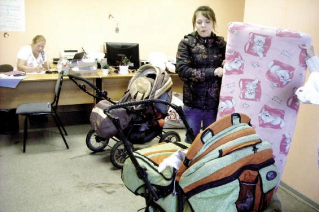 В социальных приютах матерям помогают.