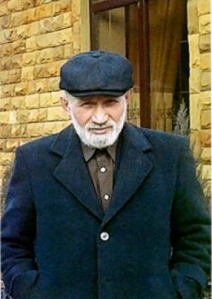 Акбашев Хасан Джаппаевич , машинистом бульдозера.