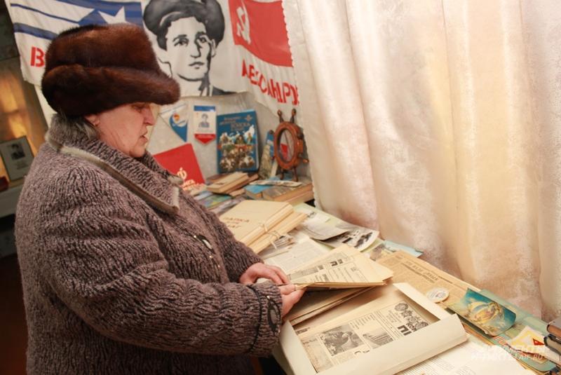 За 26 лет Раиса Михайловна собрала несколько папок с публикациями и об Афганистане, и о своём сыне