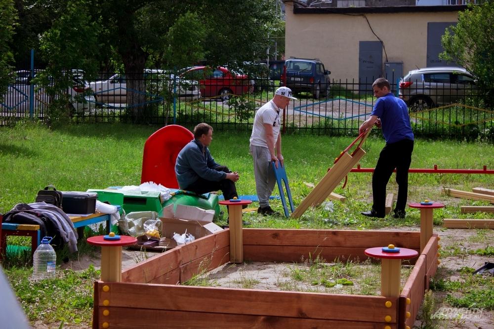 Детская площадка, построенная