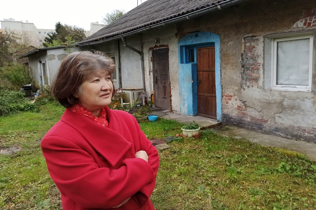 Марина Пономаренко рада, что скоро можно будет покинуть разваливающийся дом.