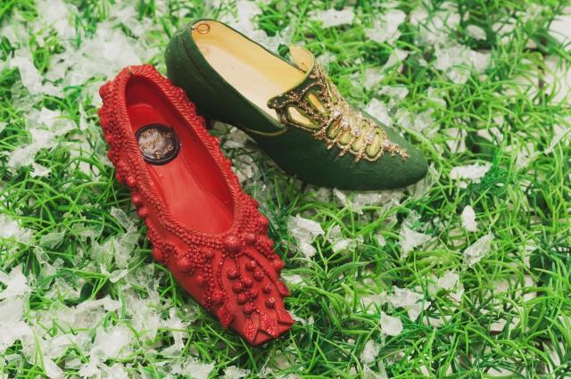 В этническом зале галереи можно познакомиться с копиями настоящей национальной обуви из разных уголков мира.
