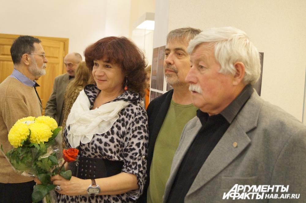 Ирина Оркина - поэт, художник и керамист, работающий в стиле свободных ассоциаций.