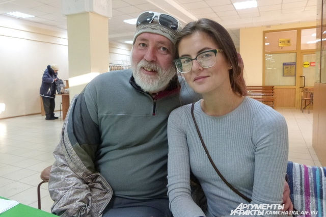 Даша с папой.