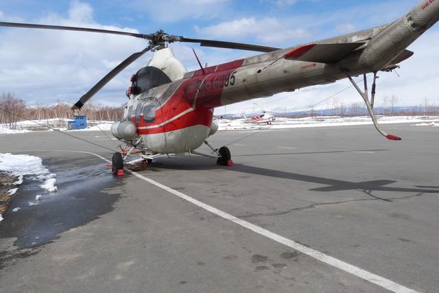 Школьники побывали на борту вертолётов Ми-8 и Ми-2.