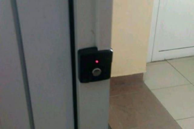 Защита уверяет, что дверь в школу №175 была исправна.