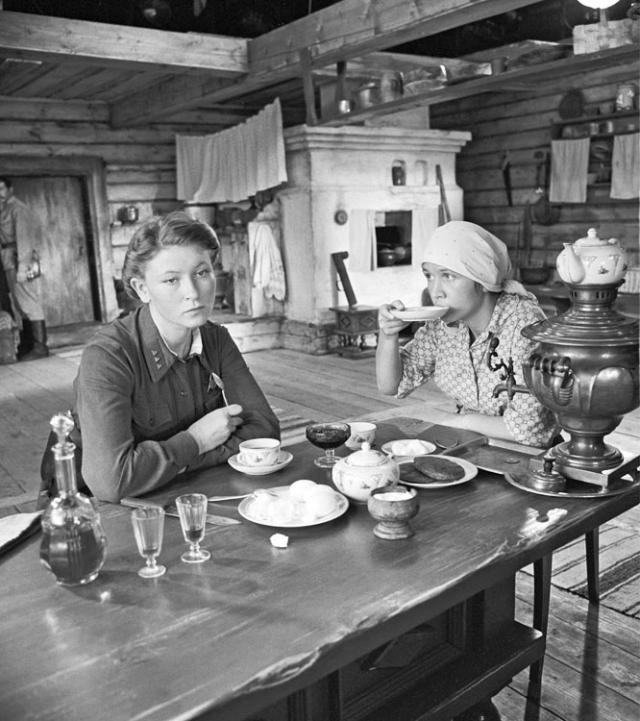 Кадр из фильма «... Азори здесь тихие» (1972)
