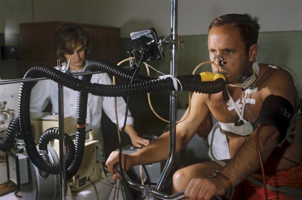 Виктор Горбатко проходит медицинское обследование, 1969 год.