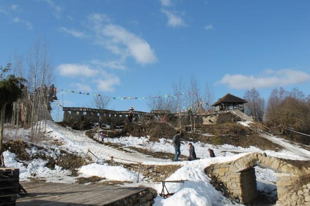 Николай возводил крепость из камней, найденных в карьере.