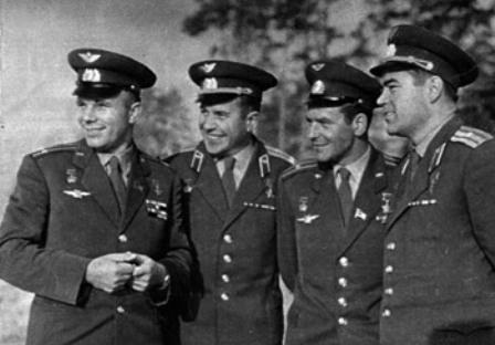 Первопроходцы космоса: Ю. Гагарин, П. Попович, Г. Титов,  А. Николаев