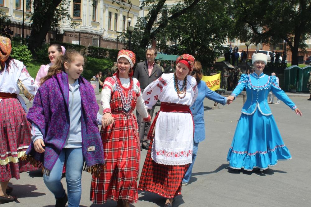 В честь Дня России и танцевали весело.