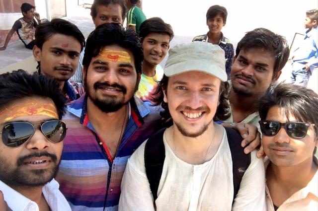 Антону очень нравилось путешествовать по Индии.